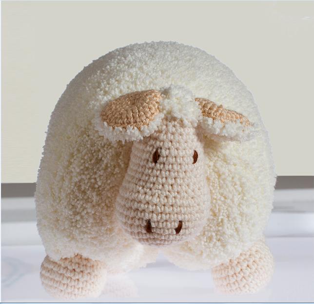 Ev-Dekorasyon - Yumuşacık Kuzu Yastık Yapımı - Örgü Modelleri | 623x644