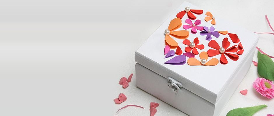 Sevgililer Günü için El Emeği Hediye Kutusu